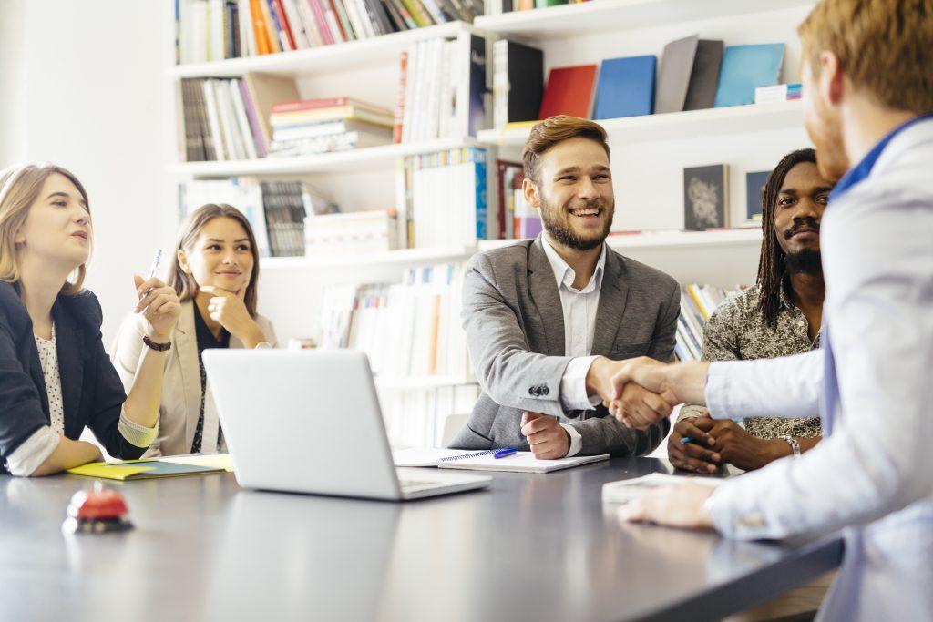Estratégias para atrair novos clientes